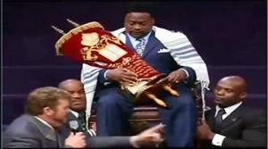 bishop-eddie-long-wrapped-in-torah-scroll-anointed-as-king