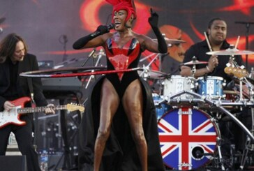 Grace Jones Shows The World What Being A True Diva Is All About!